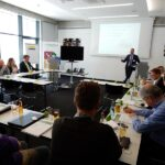 Bastian Marmetschke führt durch das Seminar